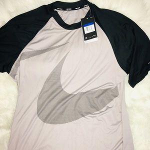 Nike Dri Fit Gray & Black Short Sleeve Men's sz XL